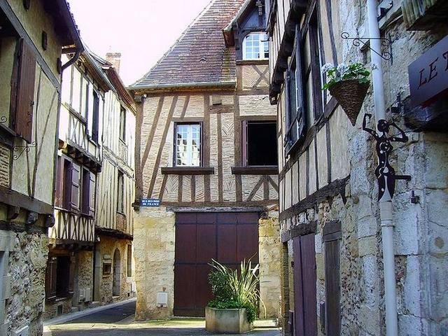 Démolition béton, sciage béton, carottage béton, découpe béton, démolition au brokk à Bergerac (24100)