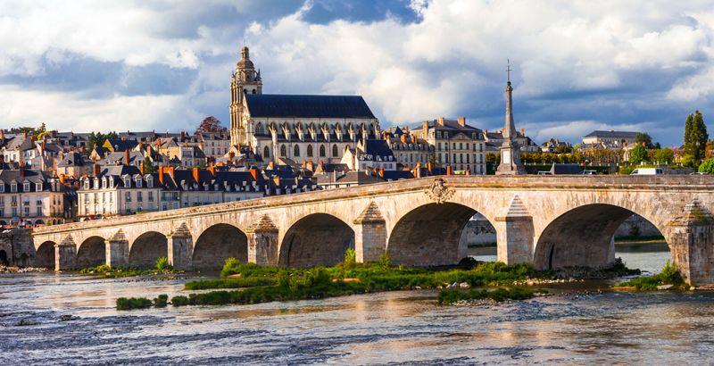 Démolition béton, sciage béton, carottage béton, découpe béton, démolition au brokk à Blois (41000)