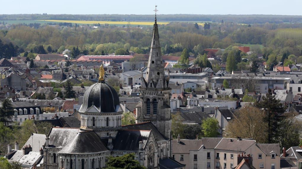 Démolition béton, sciage béton, carottage béton, découpe béton, démolition au brokk à Châteauroux (36000)