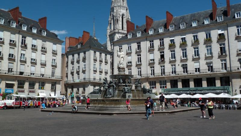 Démolition béton, sciage béton, carottage béton, découpe béton, démolition au brokk à Nantes (44000)